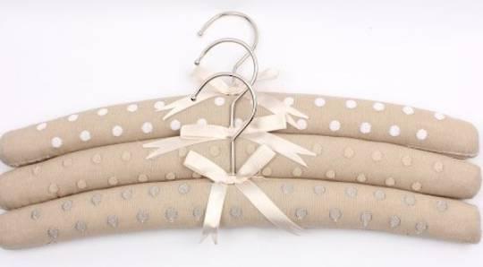Embroidered coat hangers-set of 3 dot linen Code:EH/DOT LINEN