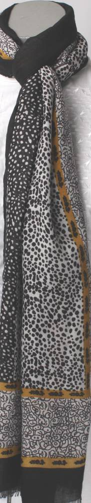 Soft winter printed scarf black Style: SC/4264BLK
