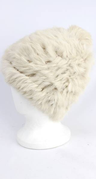 Warm winter fur beanie cream Style: HS4420 CRM