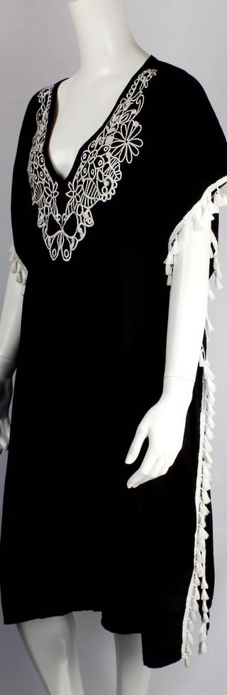 Alice&Lily embroidered and black and white caftan Style: SC/4521BW