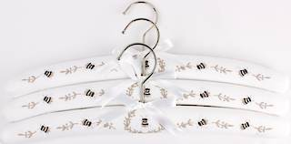 Embroidered coat hangers-set of 3 'Bee' Code:EH/BEE