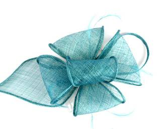 Fascinator sinamay and feather with comb turq Code:HS/1299