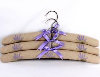lPrinted padded coat hangers-set of 3 'Lavender Linen' Code:EH -LAV/LIN