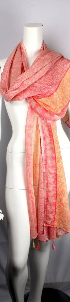 Alice & Lily beautiful print in exquisite pink and apricots Style: SC/WIN19/V6