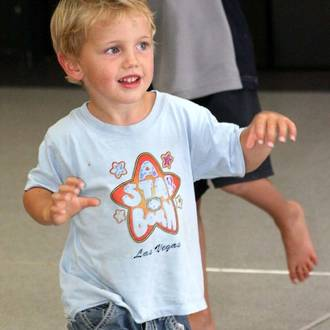 9 ways music & movement helps young kids learn