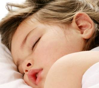 How much sleep do babies & young kids need?