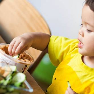 The risks of eating hummus for babies & toddlers