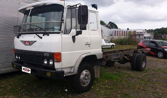 TRUCK - EH700 - HINO FD174 1983