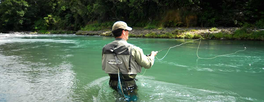Fishermen-fly-fishing-Turangi-Tongariro-RIver-Taupo-cropped for website