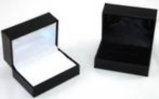 SDR2 - DOUBLE RING OR CUFFLINK BOX LEATHERETTE BLACK NO LINE BLACK PAD BULK DEAL (24 PCS)