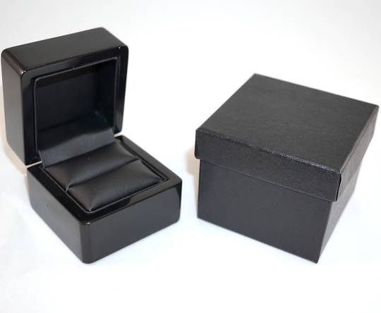 SMALL RING BOX GLOSS BLACK WOOD BLACK PAD