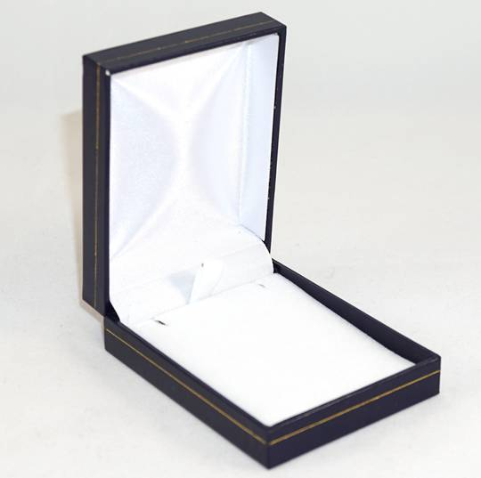 SC17 - MEDIUM PENDANT/EARRING BOX LEATHERETTE NAVY WHITE VELVET PAD BULK DEAL (24 PCS)