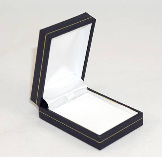 SDSP - SMALL PENDANT/EARRING BOX LEATHERETTE NAVY WHITE VELVET PAD