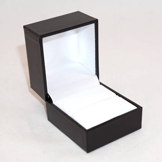 SDRL - LARGE RING BOX LEATHERETTE BLACK NO LINE WHITE VINYL PAD