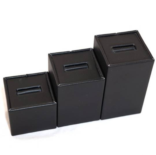 RING DISPLAY ANGLED TOWER BLACK VINYL (SET OF 3)