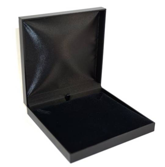SDN3 - NECKLACE BOX LEATHERETTE BLACK NO LINE BLACK VELVET PAD BULK DEAL (12 PCS)