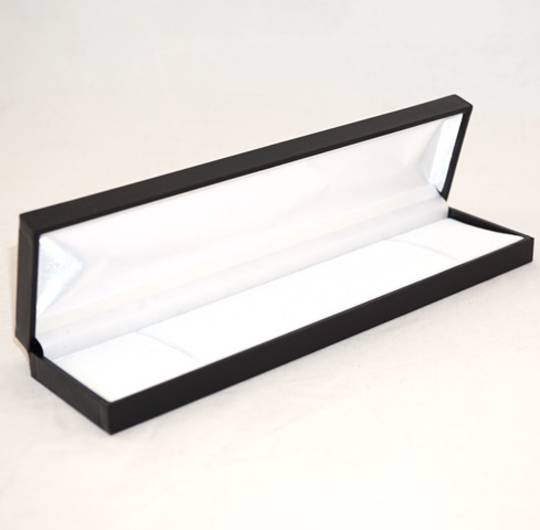 SDB - LONG BRACELET BOX LEATHERETTE BLACK NO LINE WHITE VELVET PAD