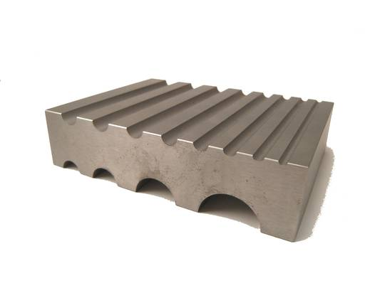 "SWAGE BLOCK 12 ""D"" SHAPED GROOVES 3 - 25mm"