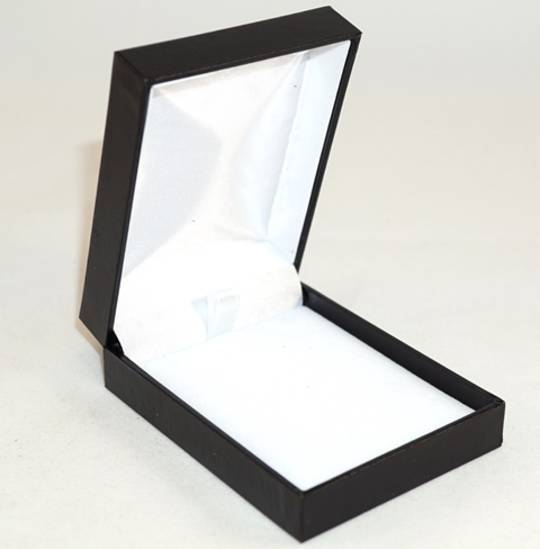 SC17 - PENDANT BOX LEATHERETTE BLACK NO LINE WHITE PAD