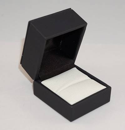 IMR - RING BOX IMITATION LEATHER BLACK TWO TONES INSERTS