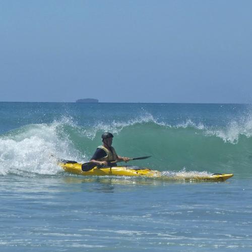 Kayak-Surfing-800x800-270