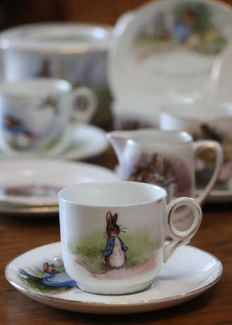 Beatrix Potter Peter Rabbit Grimades - THE RAREST of all Child's Nursery Ware Tea Set