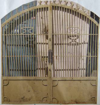 Pair of Cream Gates $3000
