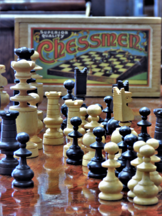 Vintage Turned Boxwood Chess Set, English Chad Valley SOLD