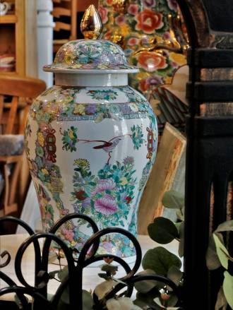 Large Lidded Chinese Urn
