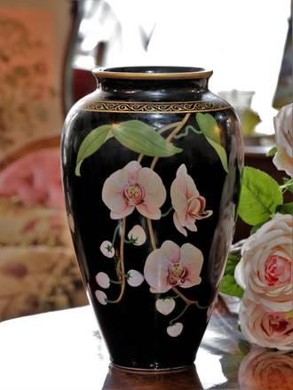 Chinoiserie  Franklin Mint Porcelain Orchid Vase  Signed by Artist Ltd Ed