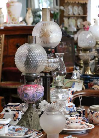 Kerosene lamps - Large, small, all working