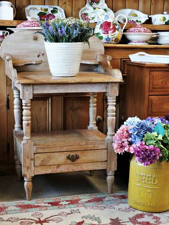 English Antique Pine Wash Stand